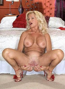 Big Tit Mature Gallery Free